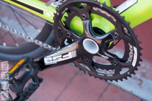 2014 Kona Jake the Snake chainring and crankset detail.