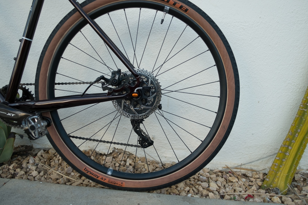 2017 Kona Sutra 650b rear wheel detail 2