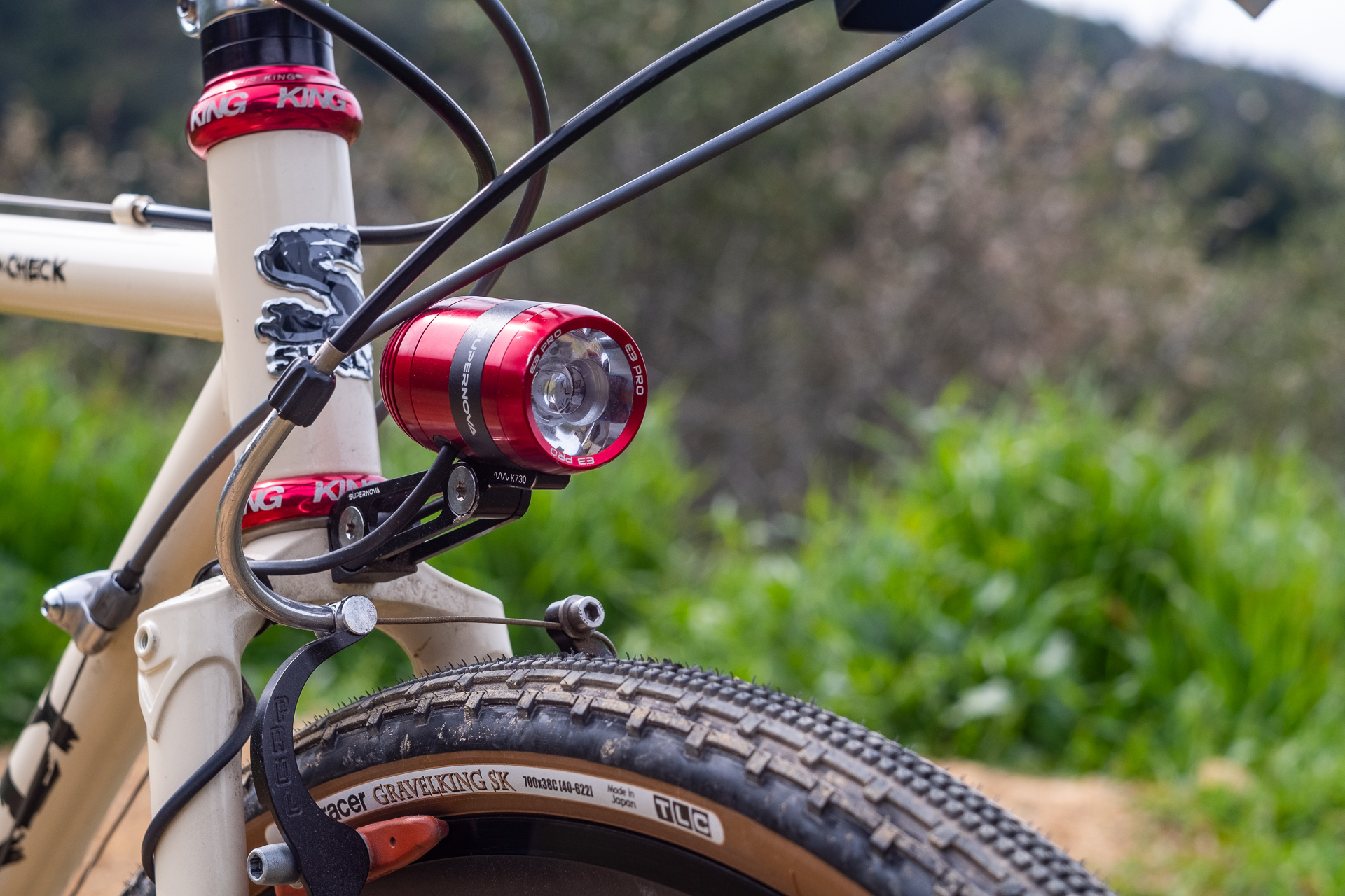 Surly Travelers Gravelers Check Supernova dynamo light detail.